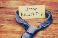 Ευτυχής ημέρα πατέρων ` s Συγχαρητήρια στοκ φωτογραφίες με δικαίωμα ελεύθερης χρήσης