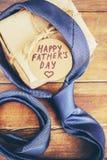 Ευτυχής ημέρα πατέρων ` s Συγχαρητήρια στοκ εικόνες με δικαίωμα ελεύθερης χρήσης