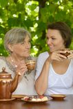 Ευτυχής ηλικιωμένη γυναίκα Στοκ Φωτογραφίες
