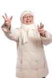 Ευτυχής ηλικιωμένη κυρία με το ανοικτό χαμόγελο όπλων στοκ φωτογραφίες με δικαίωμα ελεύθερης χρήσης