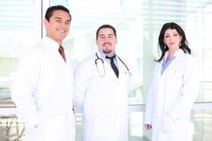 ευτυχής ιατρική επιτυχή&sigma Στοκ φωτογραφία με δικαίωμα ελεύθερης χρήσης