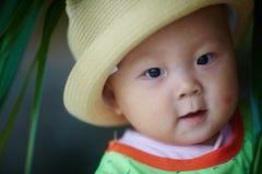 Ευτυχής κινηματογράφηση σε πρώτο πλάνο προσώπου μωρών Στοκ Φωτογραφίες