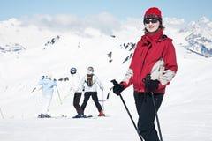 Ευτυχής νέα γυναίκα Στοκ φωτογραφία με δικαίωμα ελεύθερης χρήσης