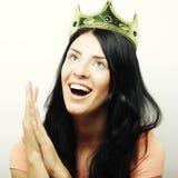 Ευτυχής νέα καλή γυναίκα με την κορώνα Στοκ Εικόνα
