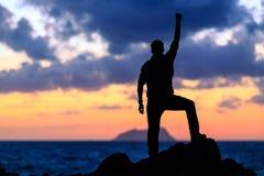 Ευτυχής νικητής επιτυχίας, επίτευγμα στόχου ζωής στοκ εικόνες