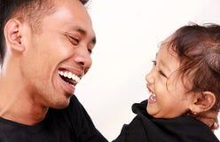 Ευτυχής στιγμή πατέρων και κορών Στοκ Εικόνα