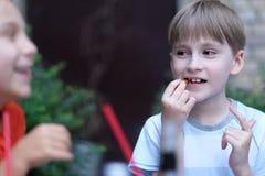 Ευτυχής συνομιλία παιδιών ` s Στοκ Εικόνες