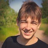 ευτυχής υπαίθριος έφηβο στοκ εικόνες