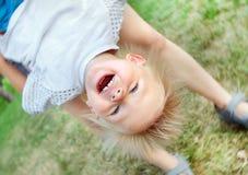 ευτυχής υπαίθριος παιδιών Στοκ φωτογραφία με δικαίωμα ελεύθερης χρήσης
