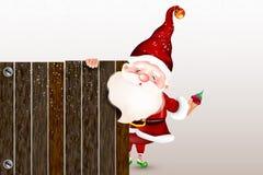 Ευτυχής χαμογελώντας Άγιος Βασίλης που στέκεται πίσω από ένα κενό σημάδι, που παρουσιάζει μεγάλο ξύλινο σημάδι ουρανός santa του  απεικόνιση αποθεμάτων