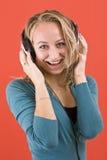 ευτυχή ακουστικά κοριτ στοκ φωτογραφία με δικαίωμα ελεύθερης χρήσης