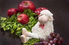 Ευτυχή και πλήρη πρόβατα Στοκ Εικόνες