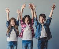 Ευτυχή μοντέρνα παιδιά Στοκ Εικόνες