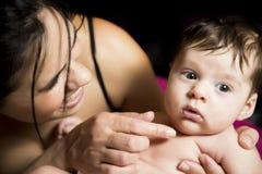 Ευτυχή οικογένεια, μητέρα και μωρό Στοκ φωτογραφία με δικαίωμα ελεύθερης χρήσης
