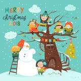 Ευτυχή παιδιά που γιορτάζουν τα Χριστούγεννα Στοκ φωτογραφία με δικαίωμα ελεύθερης χρήσης