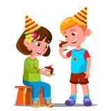 Ευτυχή παιδιά που τρώνε ένα διάνυσμα κέικ γενεθλίων απομονωμένη ωθώντας s κουμπιών γυναίκα έναρξης χεριών απεικόνιση διανυσματική απεικόνιση