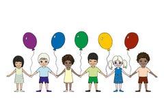 Ευτυχή παιδιά των διαφορετικών φυλών με τα μπαλόνια Ημέρα των διεθνών παιδιών ελεύθερη απεικόνιση δικαιώματος
