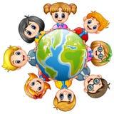 Ευτυχή παιδιά γύρω από τη γη ελεύθερη απεικόνιση δικαιώματος