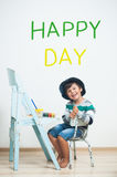 Ευτυχή χρώματα παιδιών με το χρώμα Στοκ φωτογραφία με δικαίωμα ελεύθερης χρήσης