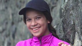 Ευτυχία και γέλιο κοριτσιών εφήβων απόθεμα βίντεο