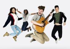 Ευτυχία χόμπι κιθάρων ψυχαγωγίας μουσικής Στοκ φωτογραφία με δικαίωμα ελεύθερης χρήσης