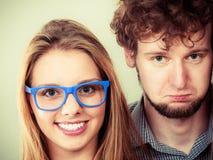 Ευτυχείς άνδρας και γυναίκες ζευγών στα γυαλιά Στοκ εικόνα με δικαίωμα ελεύθερης χρήσης