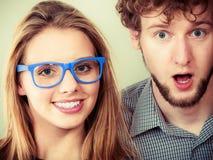 Ευτυχείς άνδρας και γυναίκες ζευγών στα γυαλιά Στοκ Εικόνες