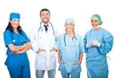 Ευτυχείς γιατροί νοσοκομείων στοκ εικόνα με δικαίωμα ελεύθερης χρήσης