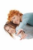 ευτυχείς δύο γυναίκες Στοκ Εικόνες