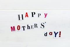 Ευτυχείς επιστολές ημέρας μητέρων που αποκόπτουν από τα περιοδικά στοκ εικόνες
