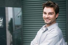 ευτυχείς νεολαίες πορτρέτου επιχειρηματιών Στοκ Εικόνες