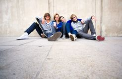 ευτυχείς νεολαίες φίλ&ome Στοκ Εικόνα