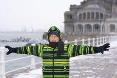 ευτυχείς νεολαίες αγ&omi Στοκ Εικόνες