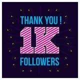 Ευχαριστίες για τους 1000 οπαδούς Σας ευχαριστούμε κάρτα συγχαρητηρίων οπαδών 1K στο κυματιστό υπόβαθρο r ελεύθερη απεικόνιση δικαιώματος