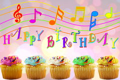Ευχετήρια κάρτα γενεθλίων με το cupcake Στοκ Εικόνες