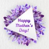 Ευχετήρια κάρτα ημέρας μητέρων με τα λουλούδια κρόκων Στοκ εικόνα με δικαίωμα ελεύθερης χρήσης