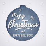 Ευχετήρια κάρτα Χαρούμενα Χριστούγεννας με τη σφαίρα Χριστουγέννων Στοκ Εικόνες