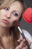'Εφαρμογή' ξανθού mascara Στοκ Φωτογραφίες