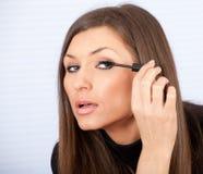 'Εφαρμογή' mascara των νεολαιών &gamma Στοκ Εικόνα