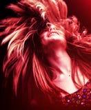 εφαρμοσμένη κόκκινη γυναίκα τριχώματος φίλτρων επίδρασης Στοκ εικόνα με δικαίωμα ελεύθερης χρήσης