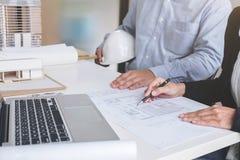 Εφαρμοσμένη μηχανική ή δημιουργικός αρχιτέκτονας στο κατασκευαστικό πρόγραμμα, Engin Στοκ εικόνα με δικαίωμα ελεύθερης χρήσης