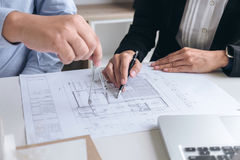 Εφαρμοσμένη μηχανική ή δημιουργικός αρχιτέκτονας στο κατασκευαστικό πρόγραμμα, Engin Στοκ Φωτογραφία