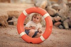 Εφαρμοσμένη μηχανική ασφάλειας Έκτακτη ανάγκη και ασφάλεια στο νερό στις θερινές διακοπές Στοκ φωτογραφίες με δικαίωμα ελεύθερης χρήσης
