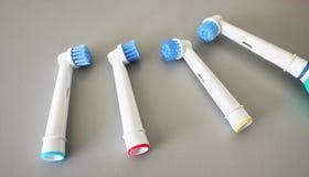 Εφεδρικά κεφάλια βουρτσών για την ηλεκτρική οδοντόβουρτσα Καθαρίστε αποτελεσματικότερα στοκ φωτογραφίες