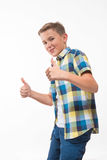 Εφηβικό συναισθηματικό αγόρι σε ένα πουκάμισο καρό Στοκ φωτογραφίες με δικαίωμα ελεύθερης χρήσης