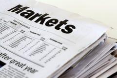 εφημερίδες χρηματοδότησ&e Στοκ εικόνα με δικαίωμα ελεύθερης χρήσης