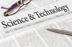 Εφημερίδα με την επιστήμη και την τεχνολογία τίτλων στοκ φωτογραφία με δικαίωμα ελεύθερης χρήσης
