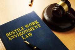 Εχθρικός νόμος περιβάλλοντος εργασίας στοκ φωτογραφίες