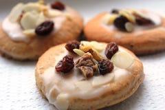Εύγευστα μπισκότα ψωμιού πιπεροριζών που προετοιμάζονται για τα Χριστούγεννα Στοκ φωτογραφία με δικαίωμα ελεύθερης χρήσης