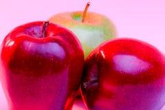 Εύγευστες κόκκινες μήλα και Γιαγιά Σμίθ Apple στοκ φωτογραφία